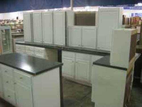 Laminate Kitchen Island : Laminate Kitchen Cabinet Set with Center Island in Jacksonville, FL ...