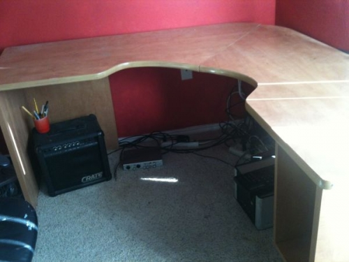 wall mount corner desk in Dallas, TX 75251  DiggersList.com